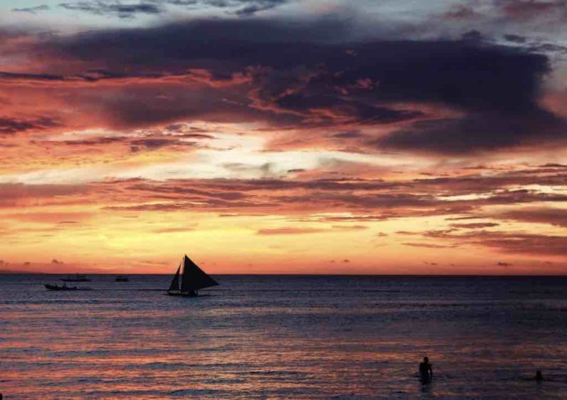 Beautiful Sunsets on a gorgeous beach - Station 1 White Beach Boracay Islands in the Philippines