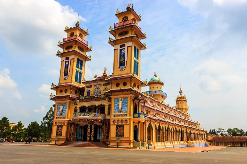 day trips from Saigon - Cao Dai